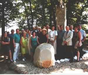2003 Schwenkfelder Homelands Tour Group at re-dedicated Viehweg Monument