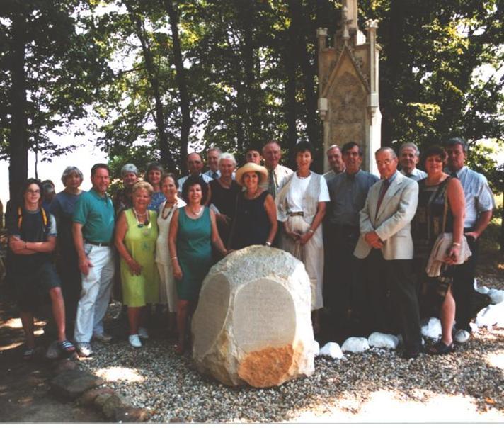 2003 Schwenkfelder Homelands Tour Group at re-dedicated Viehweg Monument